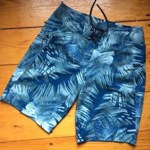 """Lululemon NWT Current State Board Short 9"""" palms"""